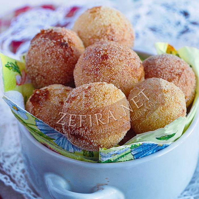 Пышные и воздушные пончики из творога с манкой, жареные в масле