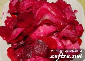Салат со свёклой и молодой капустой – кулинарный рецепт