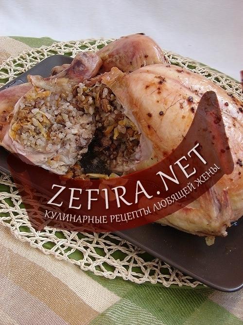 Курица, фаршированная гречкой и грибами