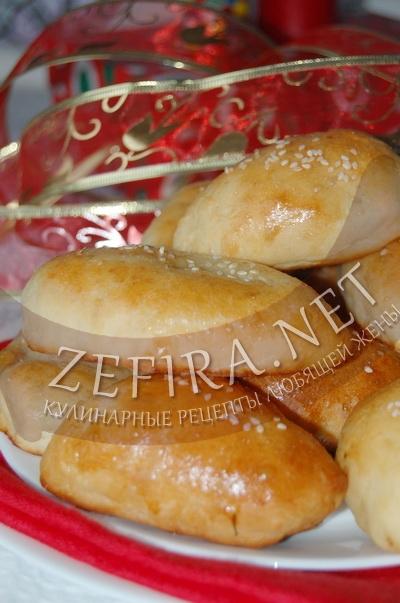 Постные дрожжевые пирожки - рецепт и фото