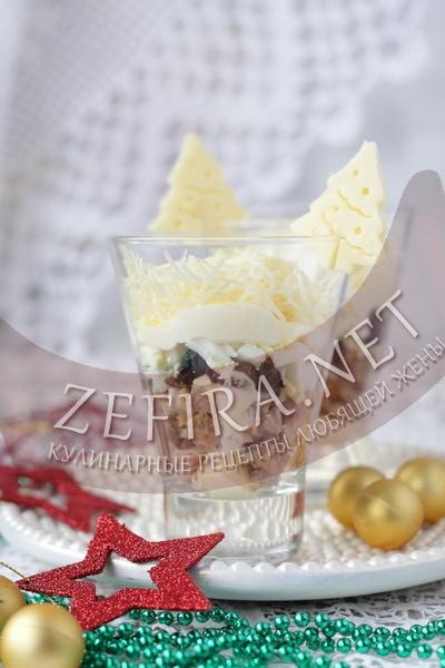 Новогодний салат с языком и сыром