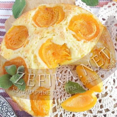 Бисквит с абрикосами