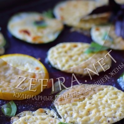 Кабачки с сыром и сметаной запеченные в духовке