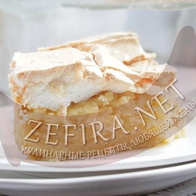 Простой и вкусный яблочный пирог с воздушной шапкой из безе