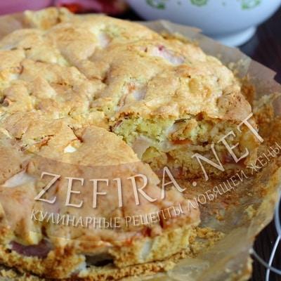 Воздушный пирог с яблоками на растительном масле