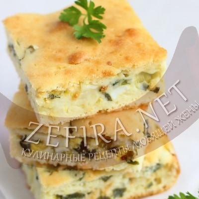 Быстрый пирог с луком и яйцом на кефире