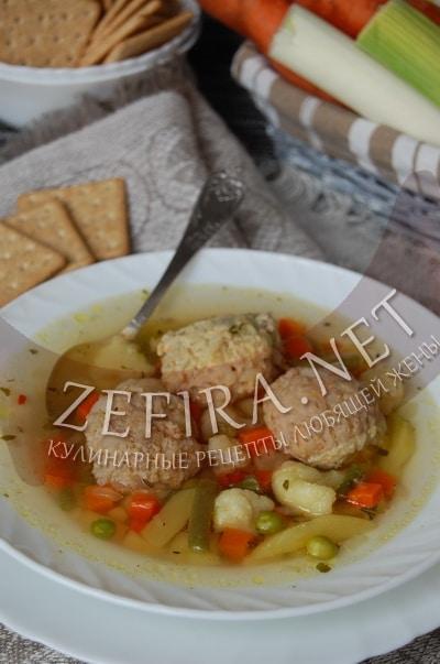 Суп из замороженных овощей с мясными ёжиками - рецепт и фото