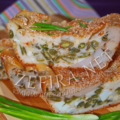 Наливной пирог со стручковой фасолью и яйцами