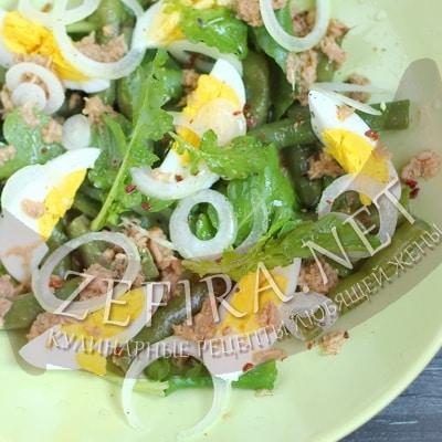 Рецепт простого салата из консервированного тунца с яйцом