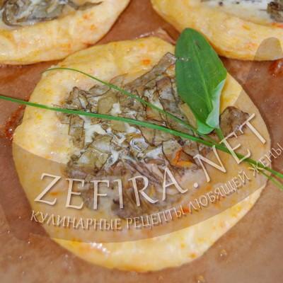Булочки из картофельного теста с зеленью в духовке
