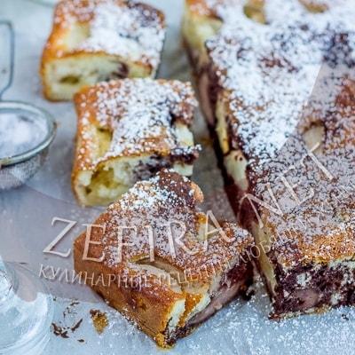 Полосатый яблочный пирог с пудингом