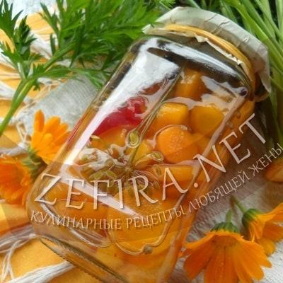 Молодая морковь, маринованная на зиму
