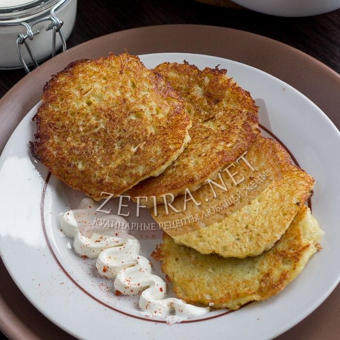 Драники из картофеля с квашеной капустой
