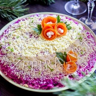 Салат «Скумбрия под шубой» со свеклой