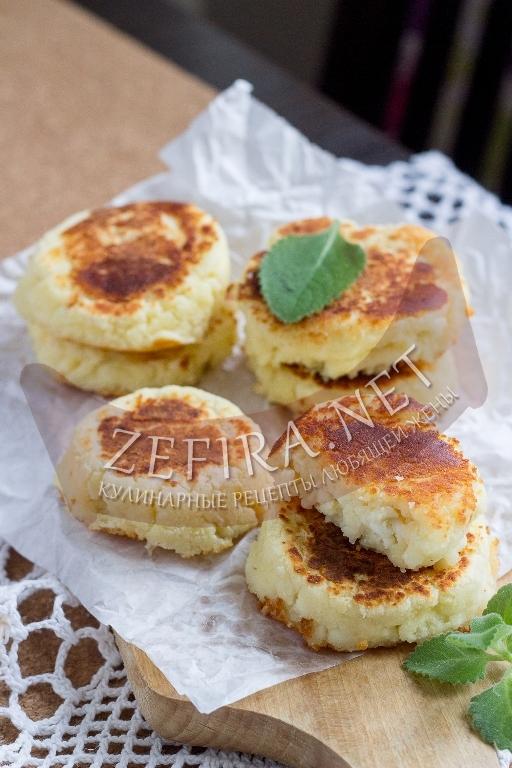 ПП сырники из творога с кокосовой мукой - рецепт с фото
