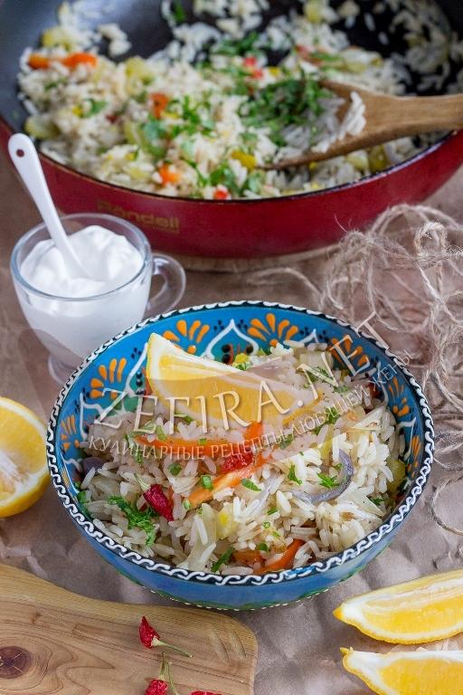 Рассыпчатый рис на гарнир с овощами - рецепт с фото