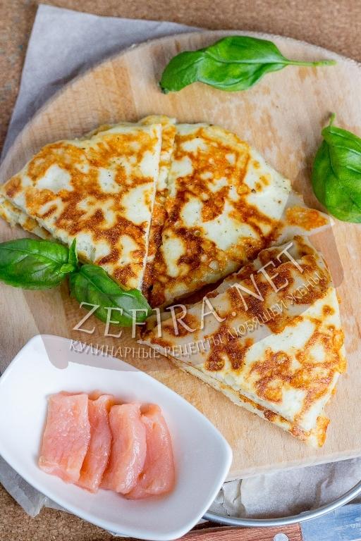 Сочная сырная лепешка на сковороде – пп рецепт с фото