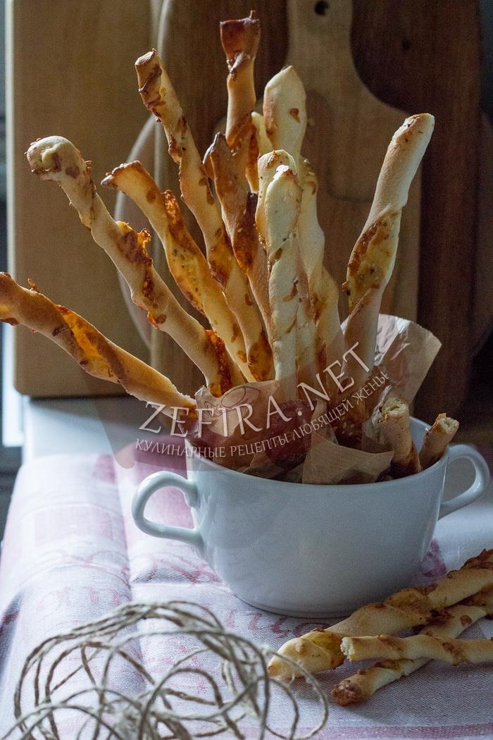 Сырные палочки из слоеного теста - рецепт с фото