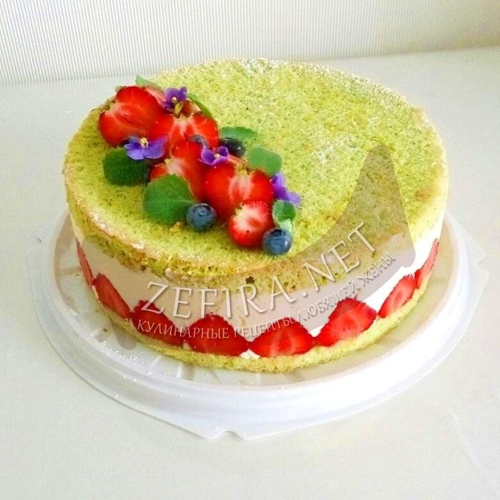 Бисквитный торт с заварным кремом и клубникой «Фрезье»