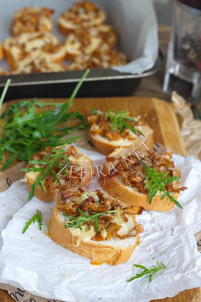Горячие бутерброды с грибами в духовке - рецепт и фото