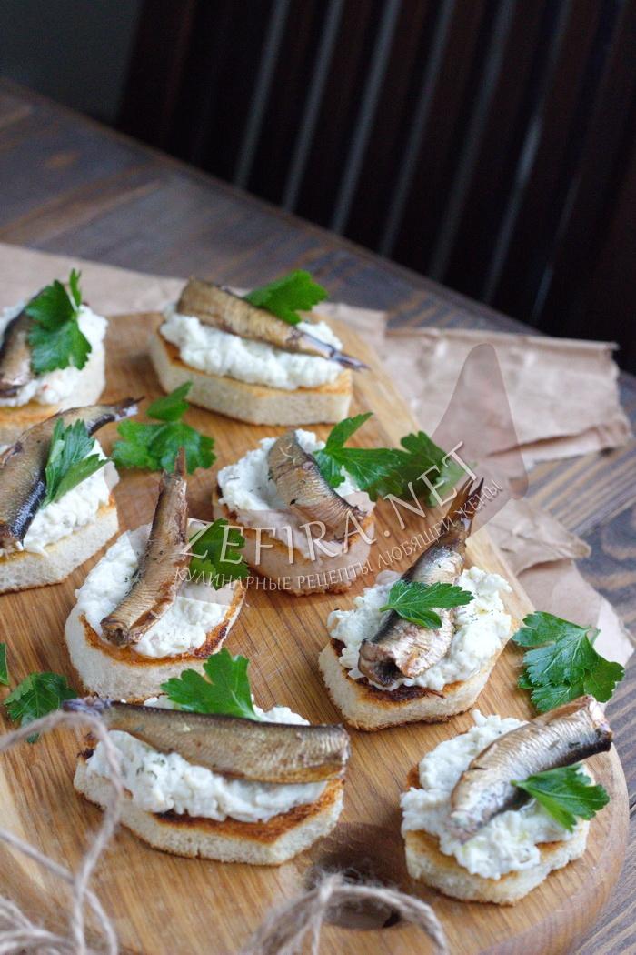 Бутерброды со шпротами на праздничный стол с яйцом - рецепт и пошаговые фото