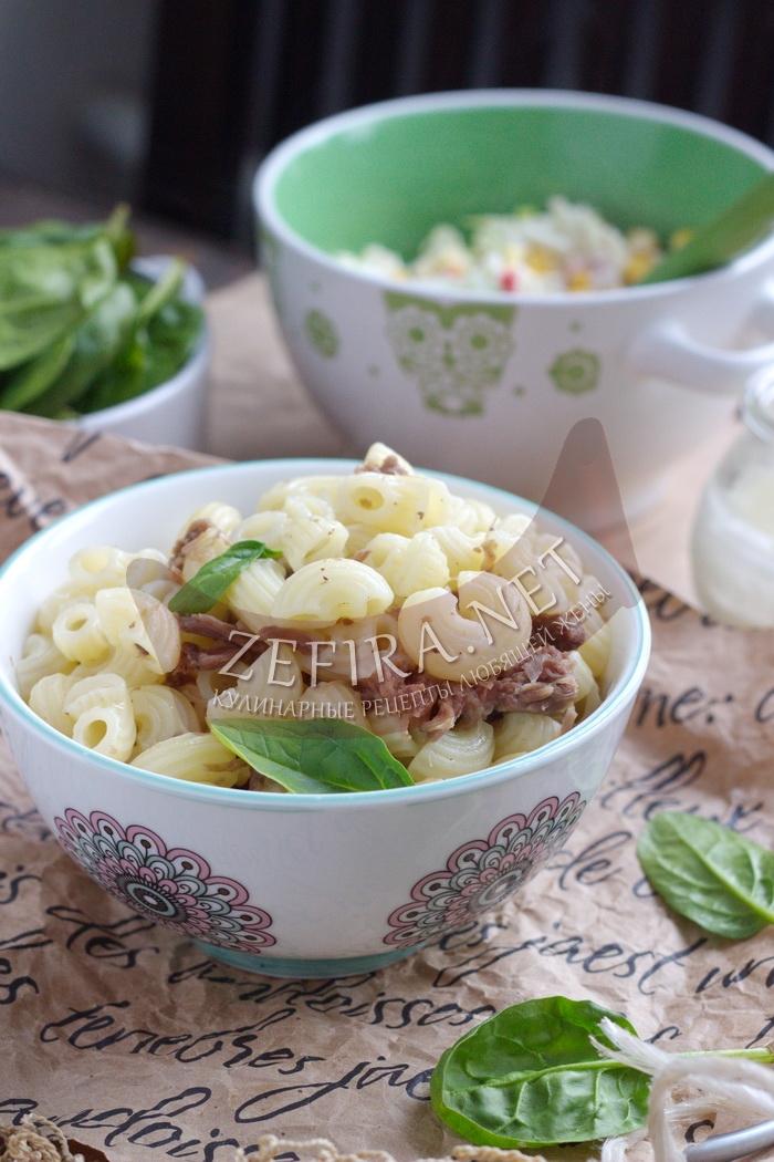 Макароны с тушенкой - простой рецепт вкусного ужина с фото