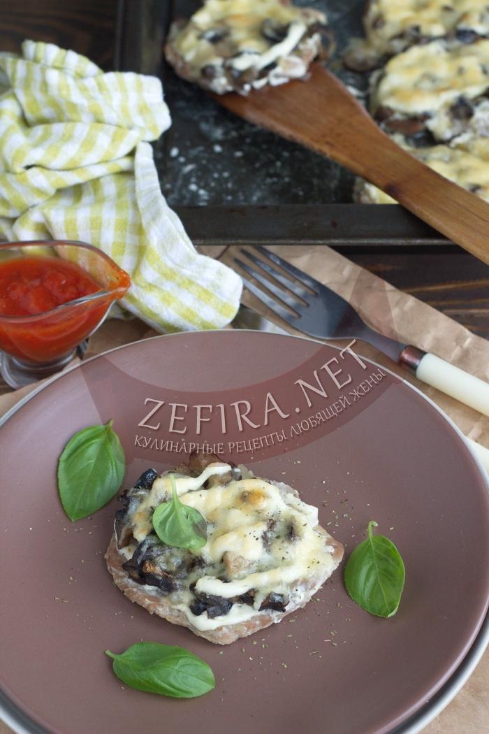 Мясо по-французски в духовке с грибами - рецепт и фото