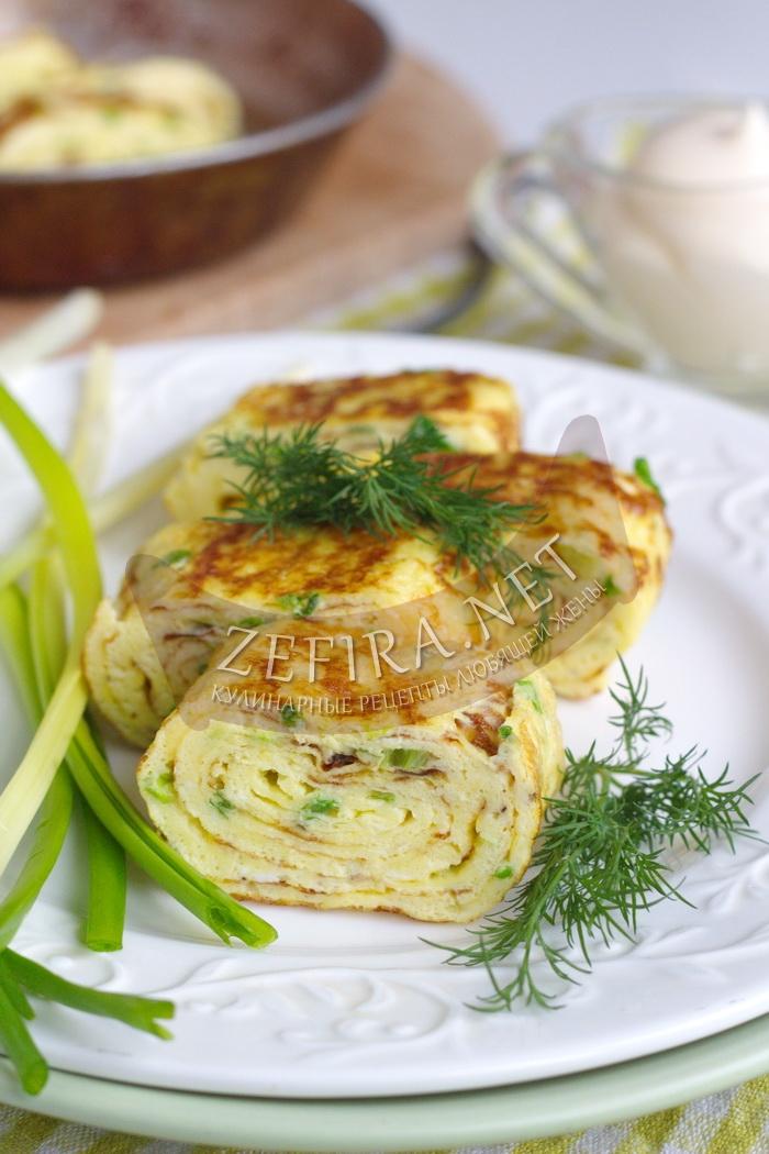 Яичный рулет на сковороде - рецепт и пошаговые фото