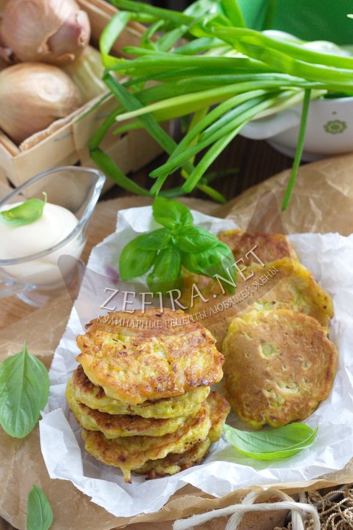 Вкуснейшие оладьи с луком - пошаговый фото рецепт
