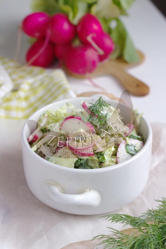 Новый салат из капусты с редиской и огурцом - рецепт и фото