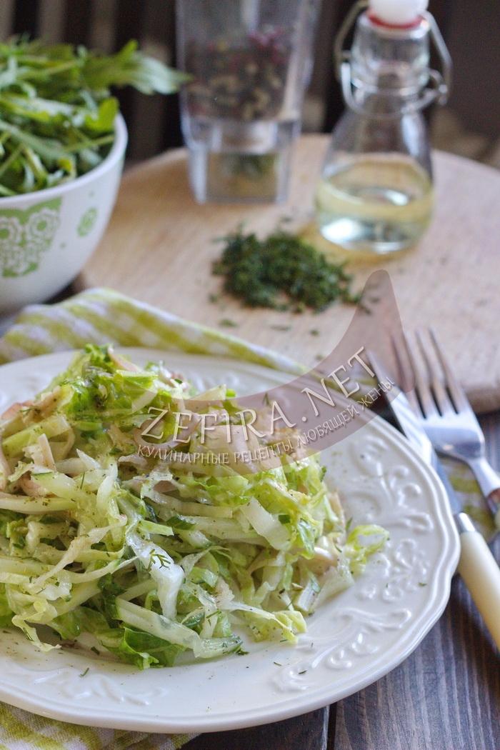 Сочный салат с кальмарами, огурцом и капустой - рецепт и фото
