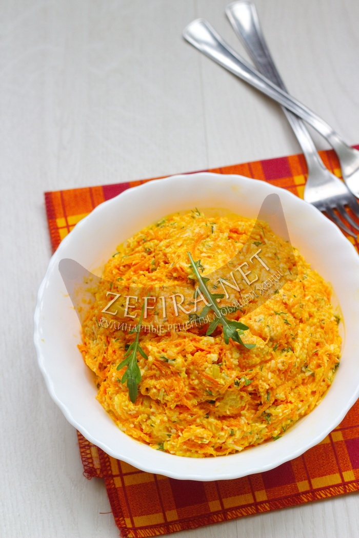 Вкусный салат из моркови с сыром и чесноком - рецепт и фото