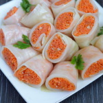 Маринованные закусочные голубцы с морковкой — рецепт приготовления