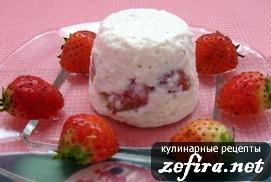 Творожный десерт с клубничкой