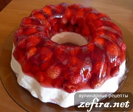 """Десерт желейно-творожный со свежей земляникой """"Кольцо любви"""""""
