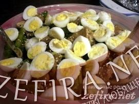 Тёплый салат со спаржей и куриными печенками