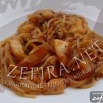 Спагетти с рыбой в красном соусе