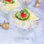 Салат с мясом краба и авокадо «Алхимик»