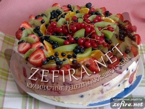 Летний рецепт торта с желе и фруктами