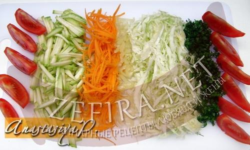 ovoshnoj-salat-so-svezhim-kabachkom2.jpg