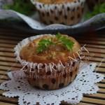 Закусочные мини-кексы с курицей и ананасом