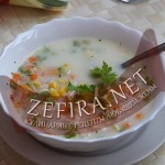 Кукурузный суп с молоком и курицей