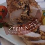 Запеченая свинина — рецепт приготовления с орехами, черносливом и сыром
