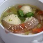 Суп с морковью, сельдереем и манными клецками