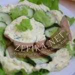 Салат из огурцов с необычным соусом