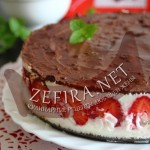 Торт с клубникой и сметанным желе