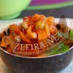 Рецепт стручковой фасоли в томатном соусе с овощами