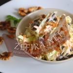 Салат из капусты с черносливом и орехами