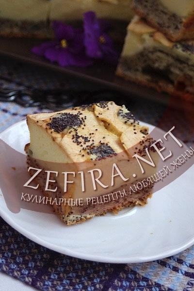 Пирог с маком и творожной начинкой. Фото в разрезе