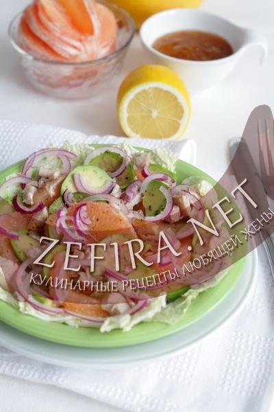 Салат с авокадо, курицей и грейпфрутом (фото)